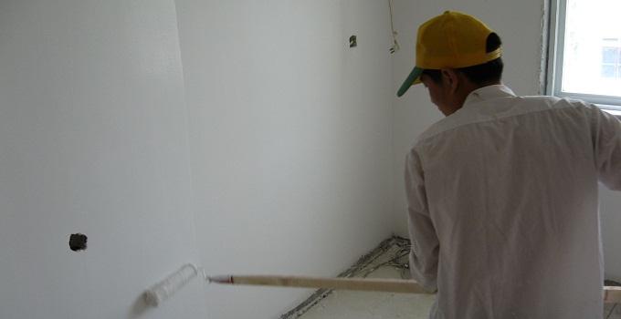 装修经验 泥工阶段 老旧墙面翻新基本步骤     导语:家里的墙面漫长的