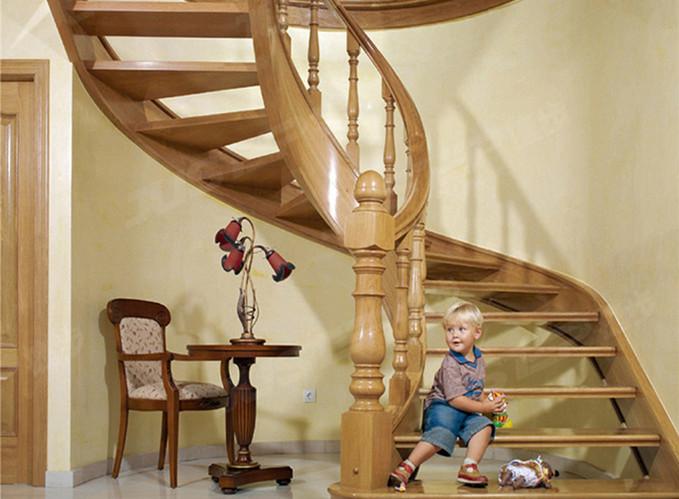 家用旋转楼梯该怎么设计?