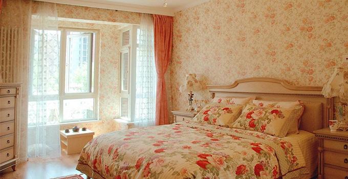 导语:壁纸和窗帘的搭配会出现你意想不到的效果