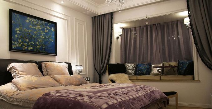 如此,也会影响整个家庭成员的身体健康,如此厚厚的窗帘如装饰在卧室