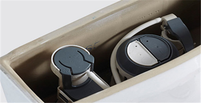 """1. 完成了座便器的固定以后,即时的将马桶上和地面上粘附的多余的水泥擦拭干净;   2. 连接马桶水箱与自来水管;   3. 检查水箱是否出现渗漏,然后冲水检测排污管是否通畅;   4. 安装好以后三天不能使用,以目前的水泥凝固速度至少也需要一天的时间不能使用,以免影响其稳固。   好了,今天关于抽水马桶安装""""的相关知识绍就到这里,希望可以帮到各位伙伴。兔狗小编相信在了解抽水马桶安装的相关知识后,大家肯定会减少很多麻烦~"""