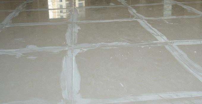 导语:在铺贴瓷砖时,填缝是不可缺少的步骤