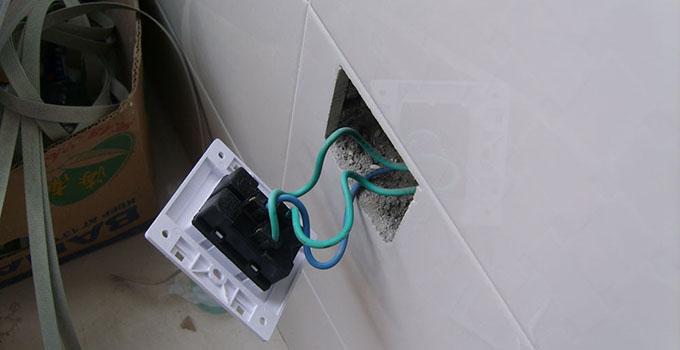 装修经验 水电阶段 水电验收之电路验收技巧     3,看电表是否通电,电