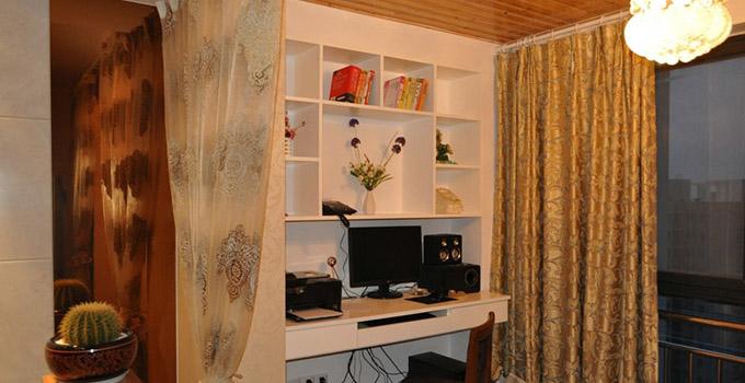 阳台书房设计 阳光普照小书房