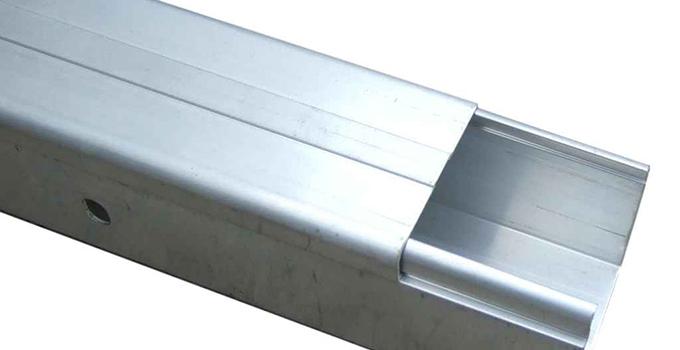 电线槽选购安装要点8,非镀锌电缆线槽间连接板