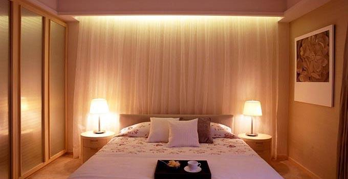 现代简约床头灯效果图 淡淡的光晚上不再害怕黑暗      欧式卧室