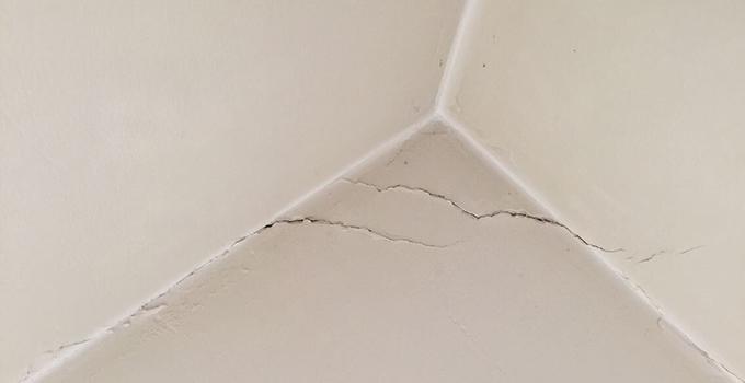 墙面裂缝别担心,教你几招墙面裂缝处理方法搞定它!