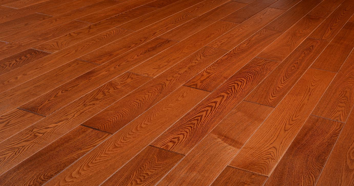 圣菲亚自热地板采暖层集成于地板内,真正的自发热式,通电15分钟,地板