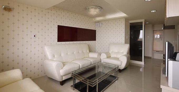 家用沙发如何选择适合自己家庭的材质?