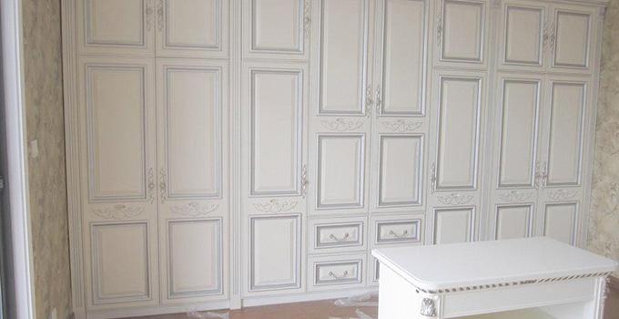 家具容易泛黄?白色欧式实木家具保养方法