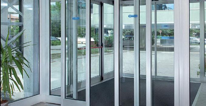 铝合金玻璃门简介 铝合金玻璃门价格