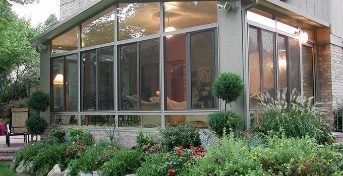 想知道别墅门窗的选购技巧吗?