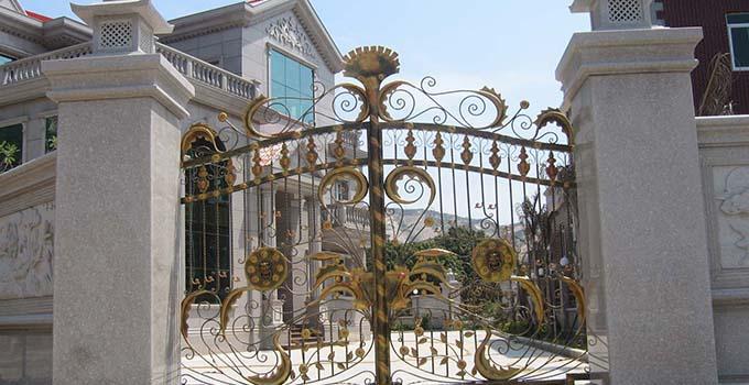 偏向欧式罗马风格的大理石门柱