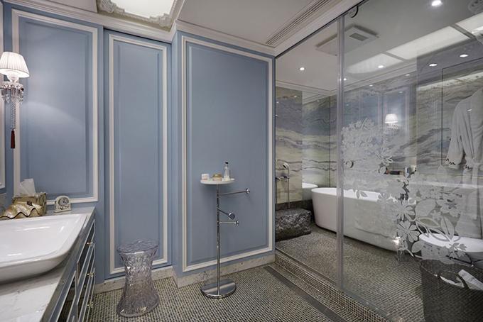 可移动的玻璃隔断装饰有哪些特点?