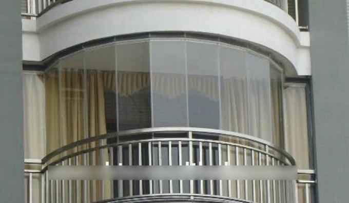 阳台玻璃窗如何安装3,安装坚向门框    按所弹中心线钉立门框方木
