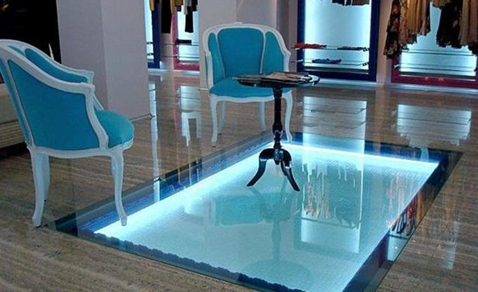 仔细!玻璃地面装饰施工注意事项你都了解吗?