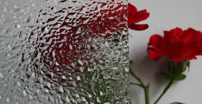 玻璃材质的分类 餐厅内玻璃装饰的使用