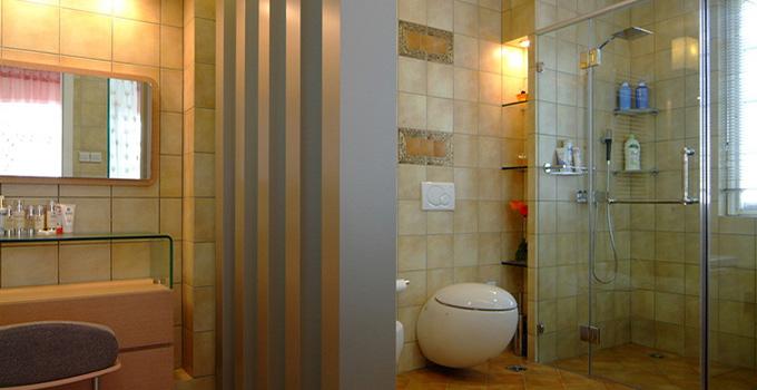 防水防滑埋线 卫浴间装修八个不能省!