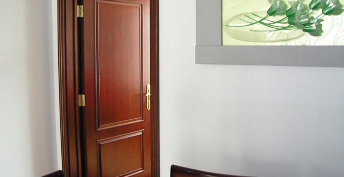 实木门的安装工具和安?#23433;?#26009;的介绍