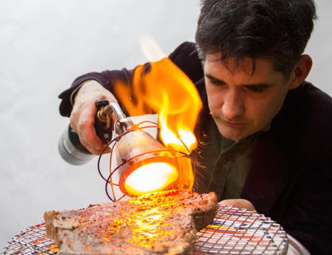 可以烘烤食物的烹饪灯