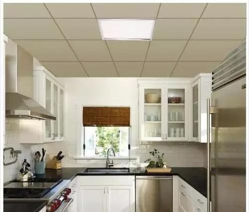 5招教你挑选集成吊顶灯LED平板灯