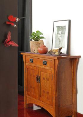 原木色中式鞋柜装饰