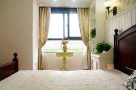 半床阳光的田园风卧室窗帘设计