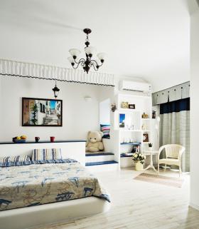 白色地中海榻榻米卧室效果图片