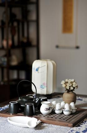 端中式茶具品一壶西湖龙井
