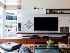 简约客厅素白背景墙图片