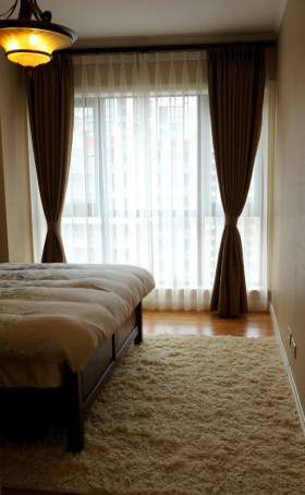现代混搭装饰卧室图