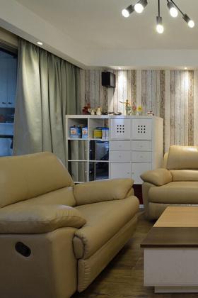 简约装修设计客厅窗帘图