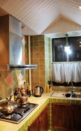 彩色地中海厨房装修图片