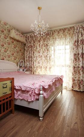 粉色少女田园卧室设计窗帘