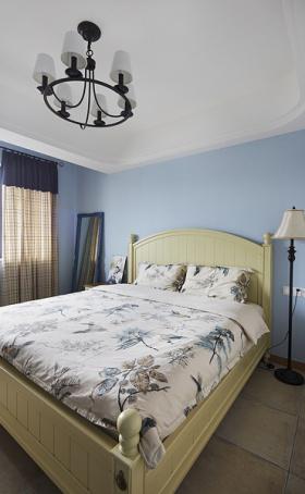 蓝色简约素雅卧室图片