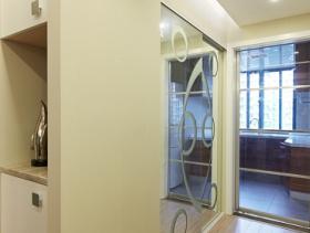 现代公寓餐厅室内隔断装修效果图