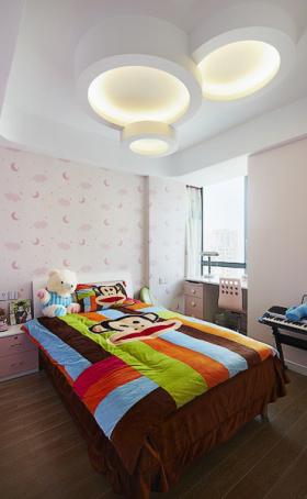 粉色简约卧室设计