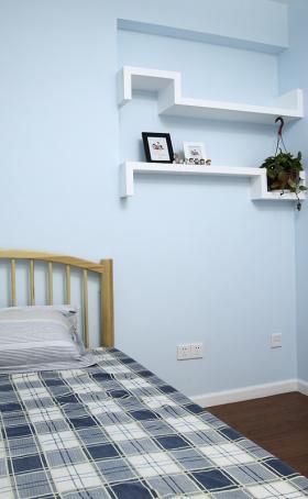 简单格子卧室效果图