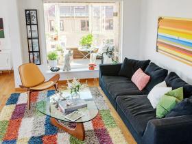 彩色公寓客厅