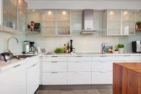 白色厨房现代简约