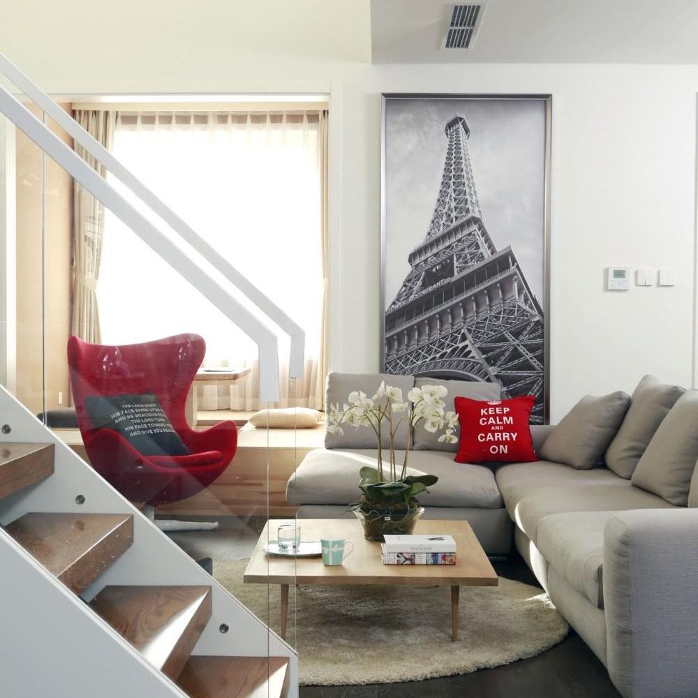 现代工业风简约白色客厅装修效果图欣赏