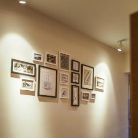现代风格白色简约书房照片墙布置装饰