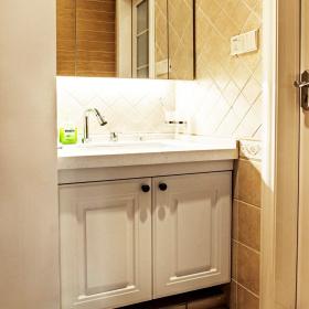 简欧风格卫生间设计浴室柜效果图欣赏