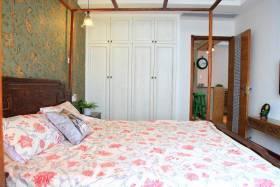 自然素雅中式卧室设计