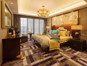 美式装饰豪华卧室吊顶图