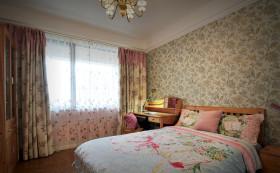 温馨田园风格卧室窗帘设计