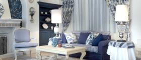 蓝色夏日地中海客厅布置窗帘效果图