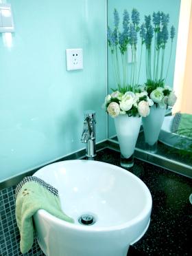 欧式现代卫生间设计装修效果图欣赏