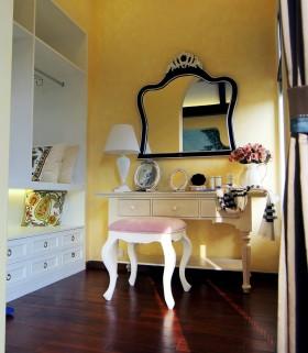 温润明黄地中海风格梳妆台设计
