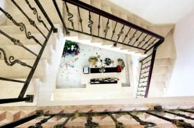 地中海别墅创意楼梯设计